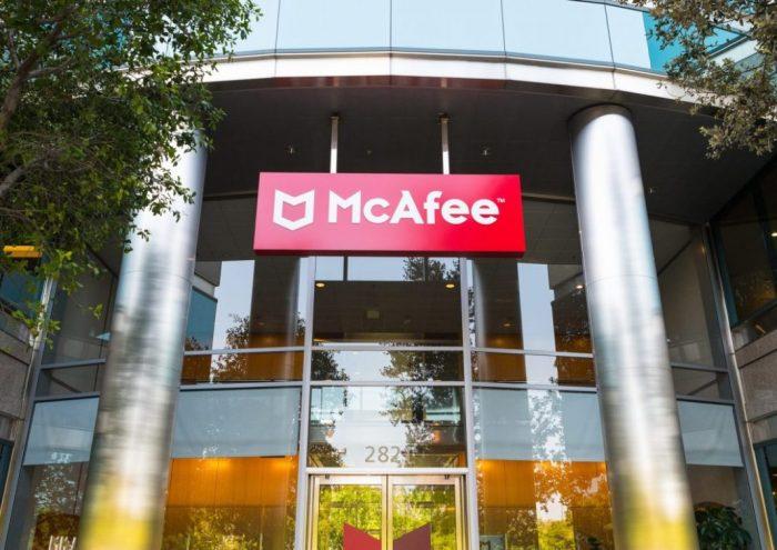 John McAfee espera extradición